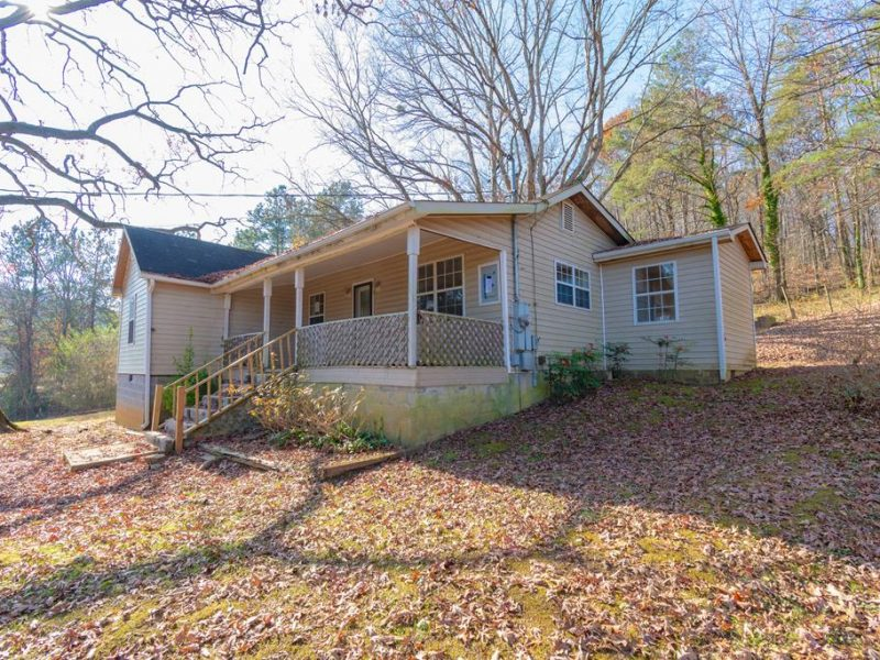 1554 Dry Valley Rd, Rossville, GA 30741